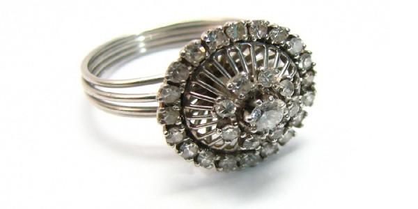 retro engagement ring